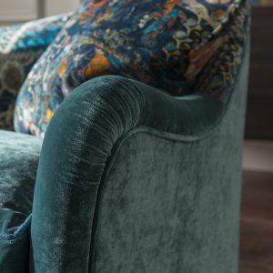 Tiffany_GrandSofa_OpiumTeal_Detail_2